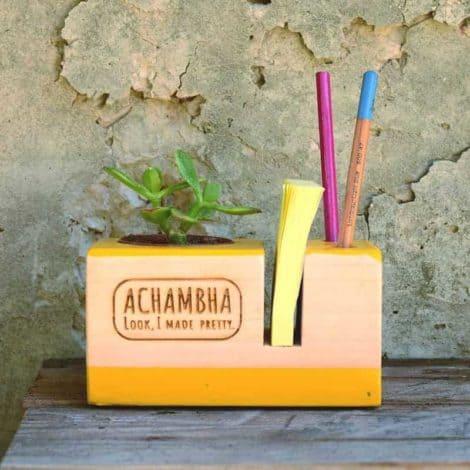 קובי הקבב - מעמד שולחני - משרדי לפתקים ועטים, עם עציץ/ קובבה אצ'מבה achambha מעמד פתקים ועטים, סטנד לפתקים ועטים