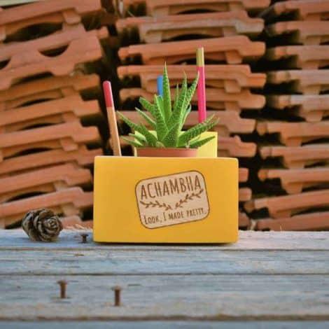 קובבה אצ'מבה achambha מעמד פתקים ועטים, סטנד לפתקים ועטים בתוספת עציץ - תוספת צהוב